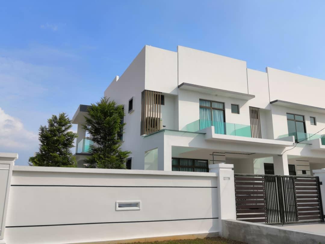 Double Storey Terrace House (Phase 7)